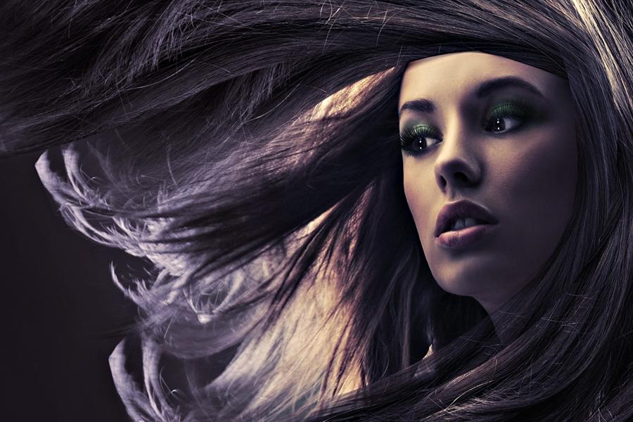 איך לשמור על מראה שיער בריא ומבריק בתקופת החורף? 7 טיפים מעשיים